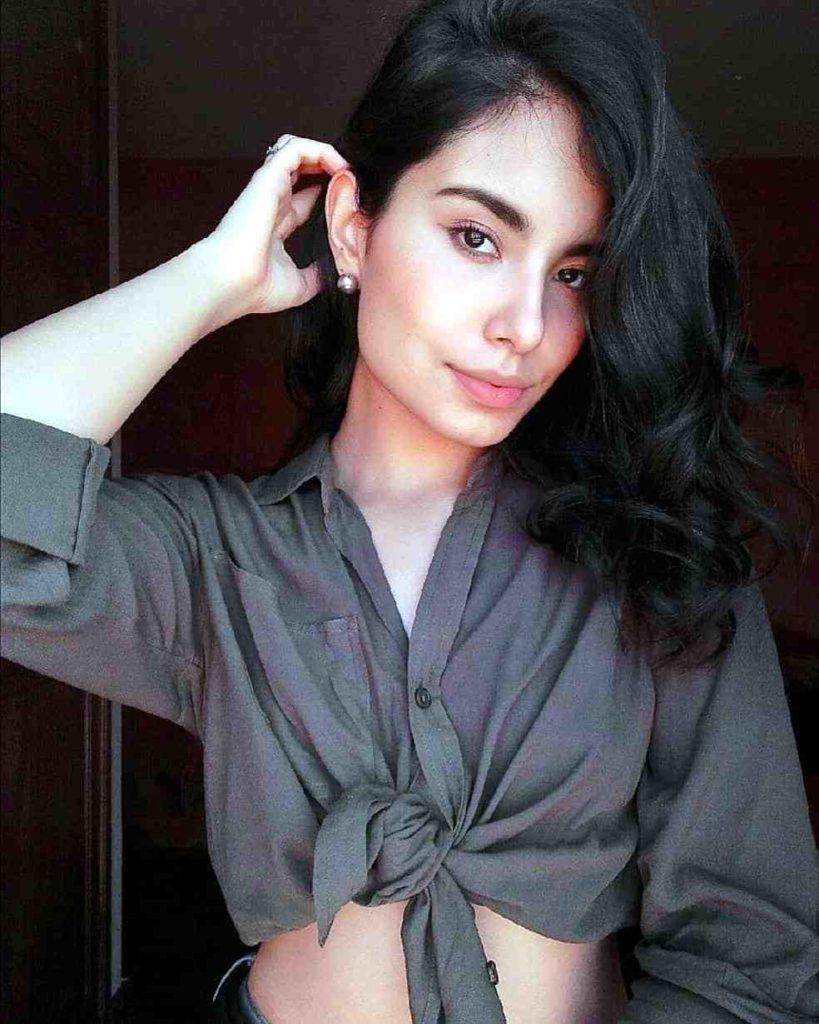 beautiful peruvian woman